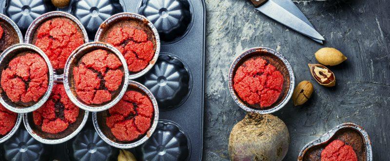 Sladké muffiny z červené řepy na svačiny nejen do školy